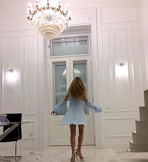 Enzo Capo luxury suites dance