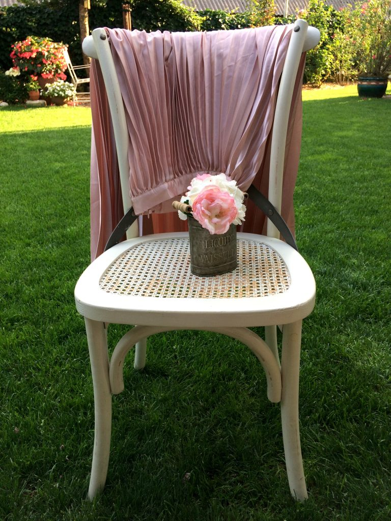 Home garden roses chair decor